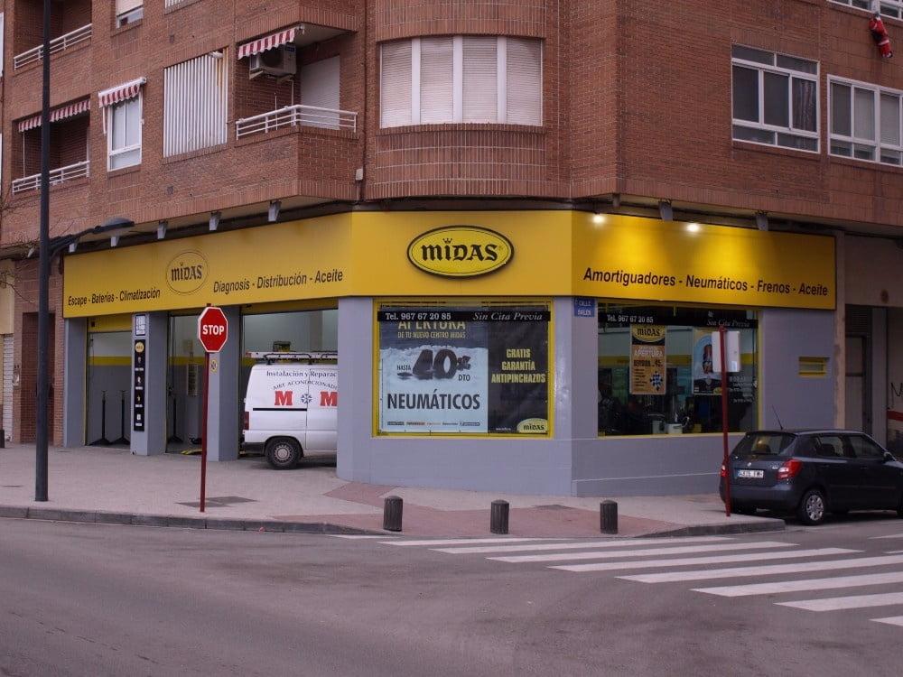 Rótulos para fachadas en Albacete