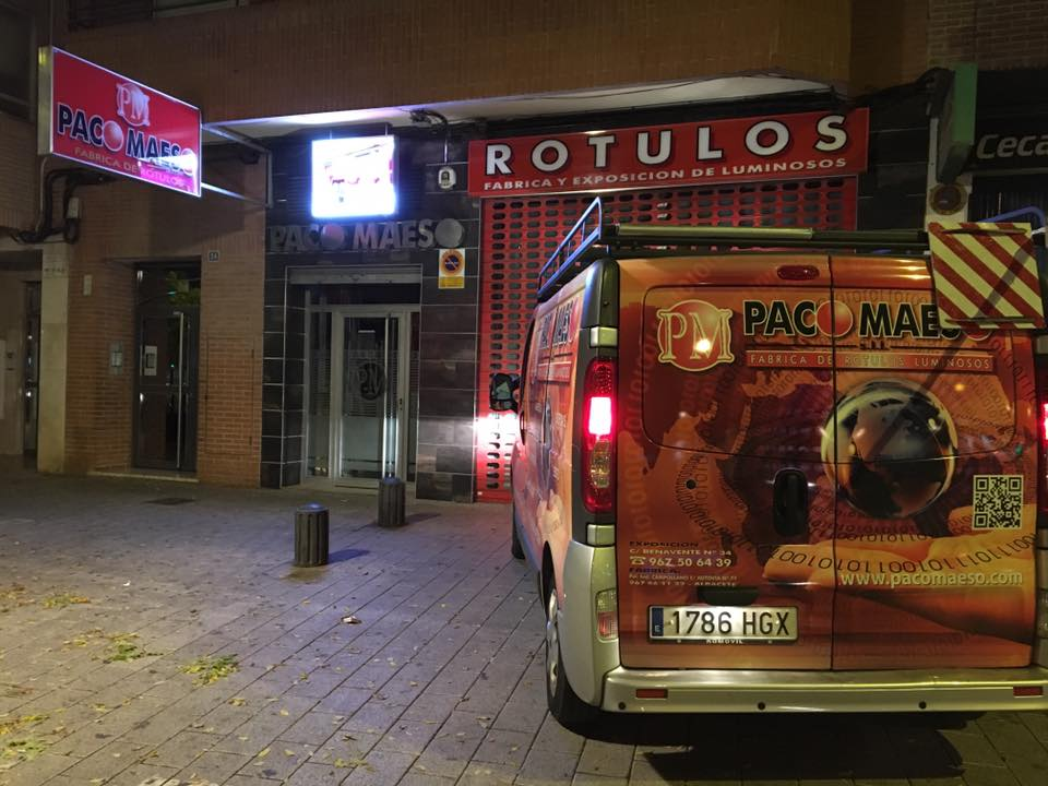 Paco Maeso | Rótulos en Albacete | Rótulos luminosos